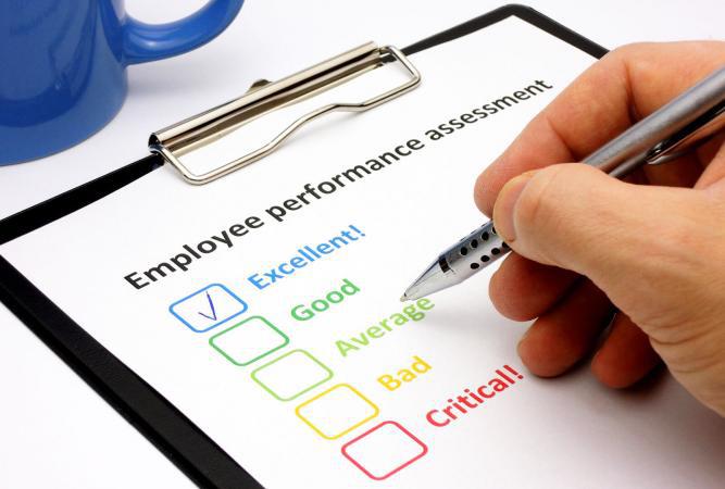 Đánh giá hiệu quả công việc của nhân viên là gì? Các bước thực hiện